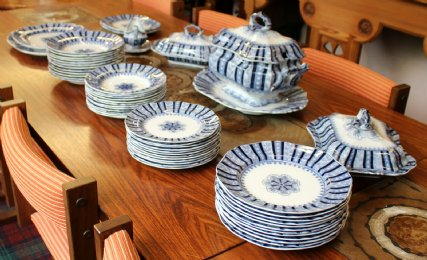 Victorian Dinner Service - SOLD