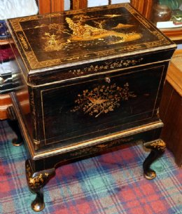 19th cent Chinoiserie Lacquered Celarette