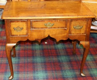 Early 19th cent Elm Lowboy
