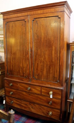 Early 19th cent Mahogany Linen Press