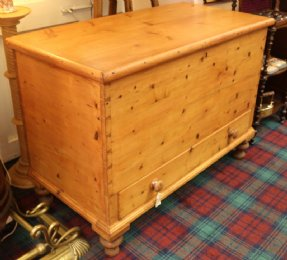 Large Pine Mule Chest ( Blanket Box )