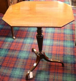 Mahogany Wine Table - Boxwood & Rosewood Stringing