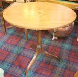 Oval Tip-Up Table