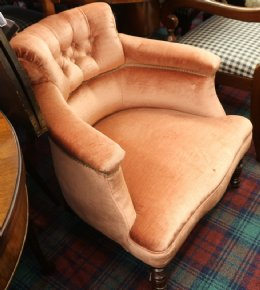 Pink VictorianTub Chair