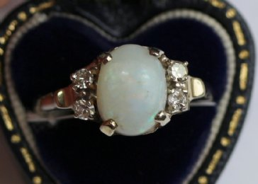 14K Gold,Opal & Diamond Ring