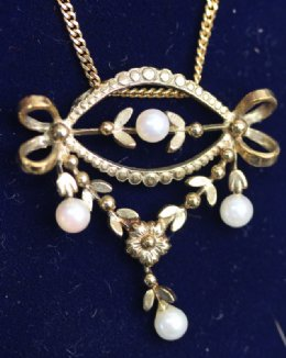 15ct Gold, Pearl Necklace - SOLD