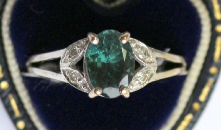 18ct Gold, Alexandrite & Diamond Ring