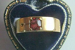 18ct Gold & Gaernet Ring , C 1910