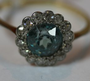 18ct Gold ,Aquamarine & Diamond Ring