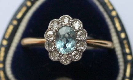 18ct gold, Aquamarine & Diamond Ring