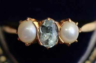 18ct Gold, Aquamarine & Pearl Ring