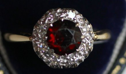 18ct Gold, Garnet Ring - SOLD