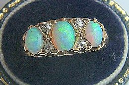 18ct Gold ,Opal & Diamond Ring