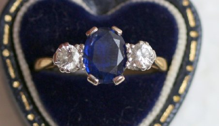 18ct gold, Sapphire & Diamond Ring - SOLD