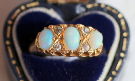 18ct gold Victorian Opal & Diamond Ring