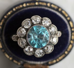 18ct Gold,Diamond & Blue Zircon Ring