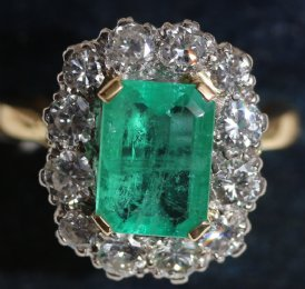 18ct Gold,Emerald & Diamond Ring - SOLD