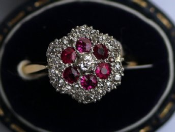 18ct Gold,Old Cut Diamonds & ruby