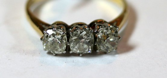 18ct / Platinum Old Cushion Cut Diamonds