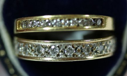 2 small size18ct Gold & Diamond Rings