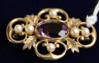 9ct Gold, Amethyst & Pearl Brooch