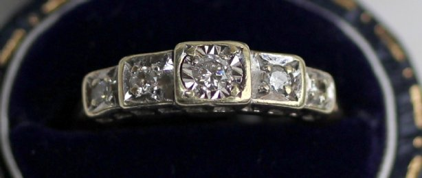 9ct Gold,5 stone Diamond Ring