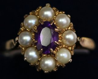 9ct Gold,Amethyst & Pearl Ring