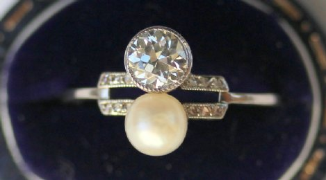 Art Deco Diamond & Pearl Ring