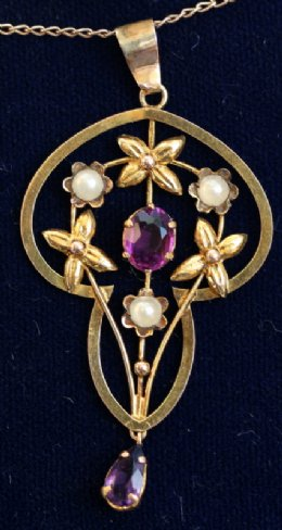 Early 20th cent Gold,Amethyst & Seed Pearl Pendant