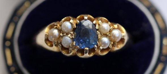 Early 20th cent Gold,Sapphire & Pearl Ring