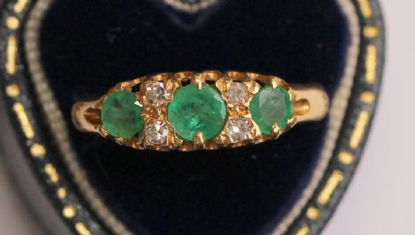 Edwardian Diamond & Emerald Ring