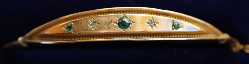 Edwardian Gold, Emerald & Diamond Bangle