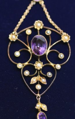 Gold, Amethyst & Seed Pearl Pendant