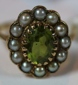 Gold, Peridot & Pearl Ring