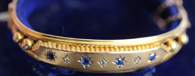 Late 19th cent Diamond & Sapphire Bangle