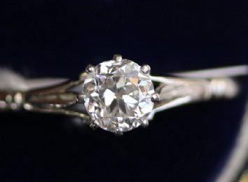 Platinum & Diamond Solitaire (Dated 1944